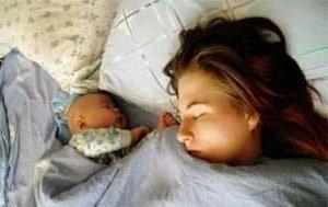 Совместный сон мамы и младенца
