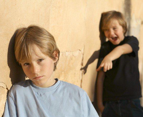 Что делать, если над ребенком издеваются в школе?
