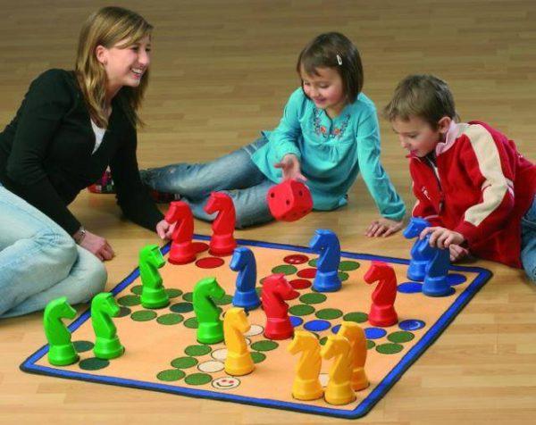 До какого возраста нужно играть с ребенком?