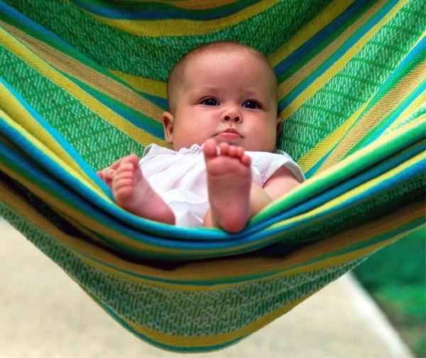 Развитие ребенка во втором месяце жизни.