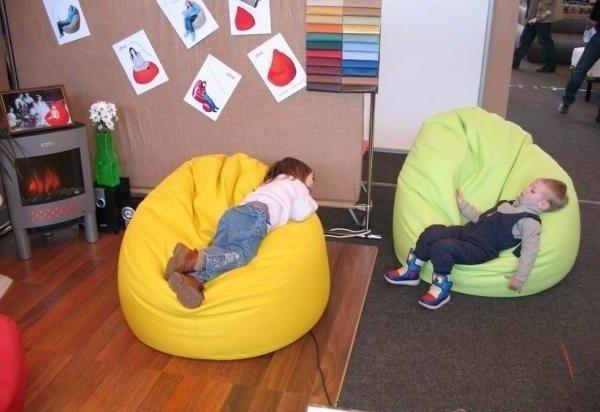 Кресло мешок в интерьере квартиры