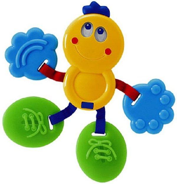 Первые игрушки малыша до года