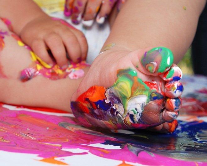 Как ребенка научить рисовать в раннем возрасте?