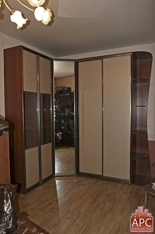 угловой шкаф с сервантом