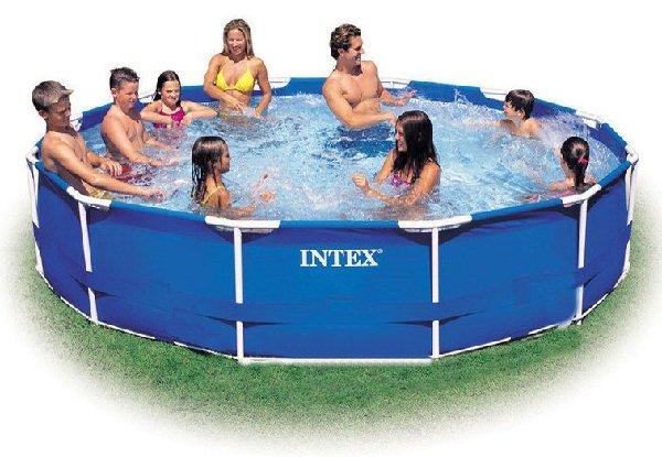 Выбираем бассейн для дачи - надувной или каркасный?