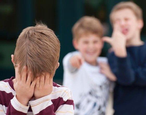 Издевательства в школе - буллинг - что делать?