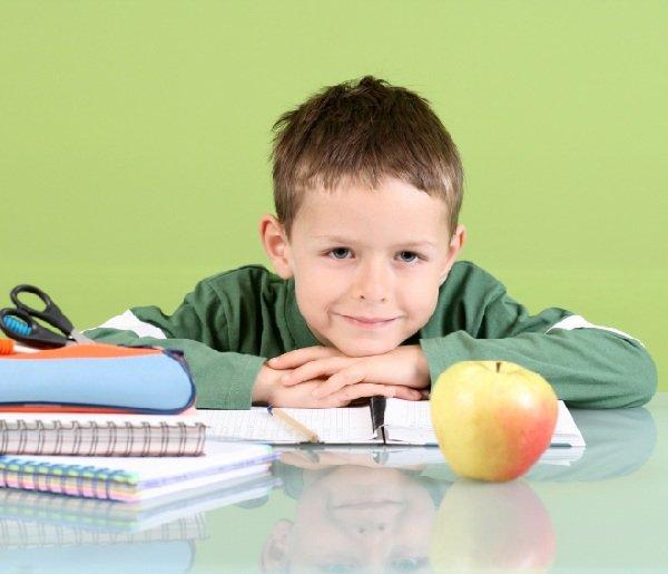 Как помогать ребенку делать уроки?