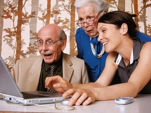 Родители вышли на пенсию - чем помочь им?