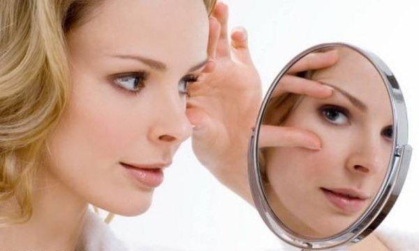 Быстрый способ убрать морщины вокруг глаз.
