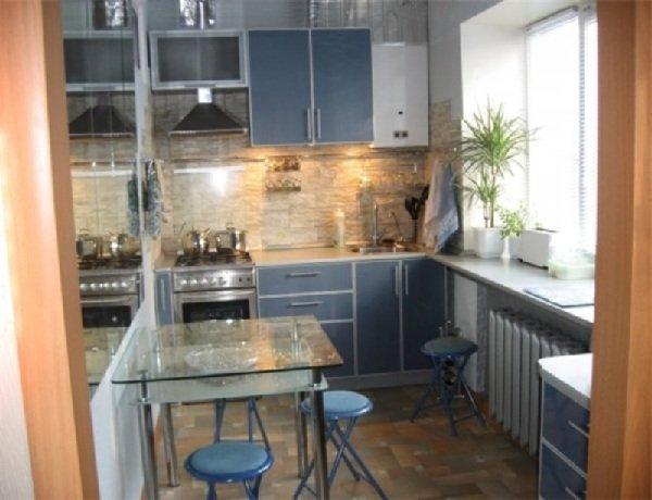Кухня с газовой колонкой