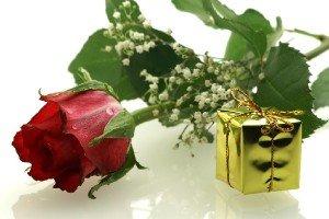 Подарок девушке от влюбленного мужчины