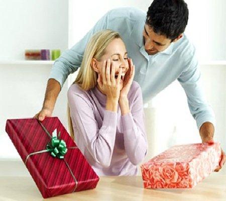Что подарить любимой девушке на новый год
