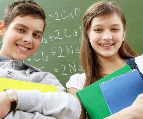 Школьные трудности по возрасту ребенка и поддержка родителей.