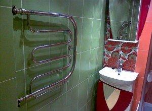 Водяной полотенцесушитель для ванной комнаты
