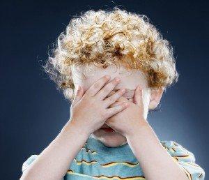 Ребенок стесняется - детская застенчивость