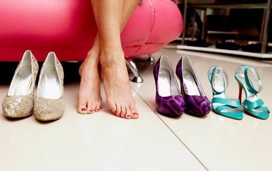 Как разносить туфли и растянуть обувь