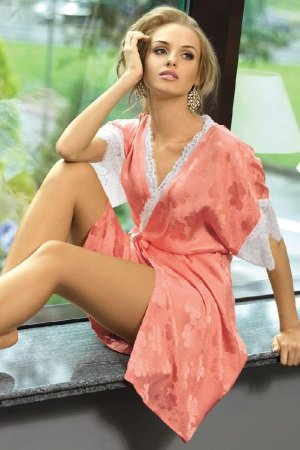 Шелковые халаты женские