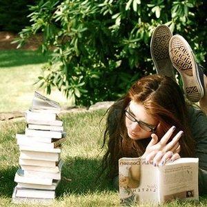 Чтение на природе улучшает кровообращение глаз