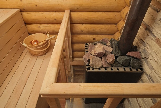 дровяной каменки в бане из сруба