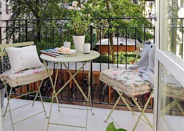 Как преобразить балкон к весне и к лету