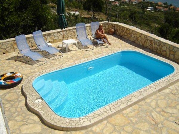 Пластиковый бассейн - особенности и преимущества
