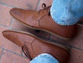 Как чистить кожаную обувь - способы