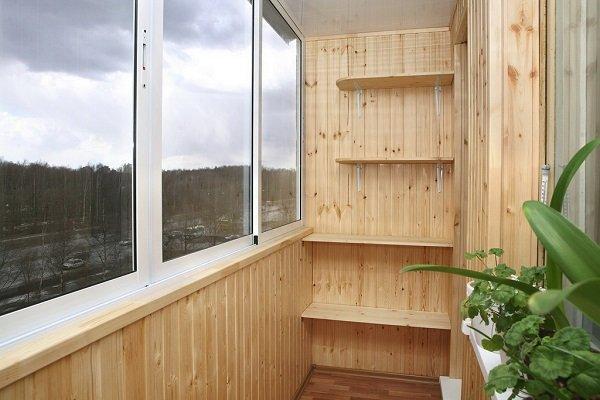 Отделка балкона - правила и особенности