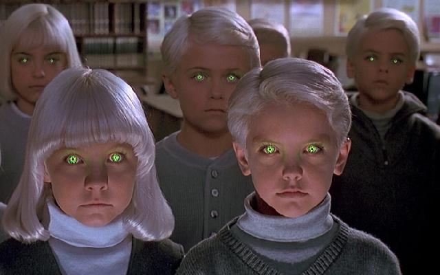 Дети родились от пришельцев.