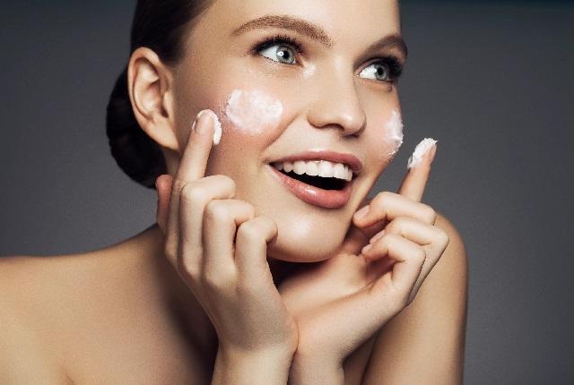 Подходящий крем для лица – как выбрать?