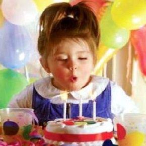 День рождения ребенка в 2 - 3 года.