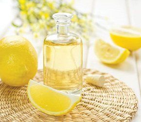 Вода с лимонным соком.