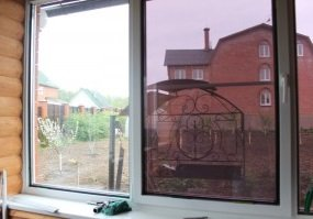 Пленка для тонировки окон дома или в офисе