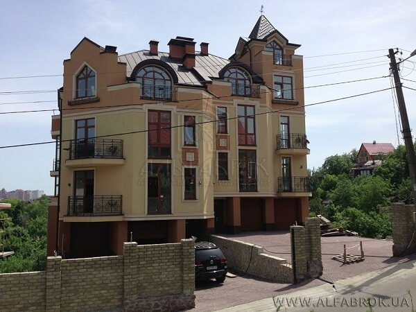В агентстве недвижимости Альфаброк масса предложений по сниженным ценам