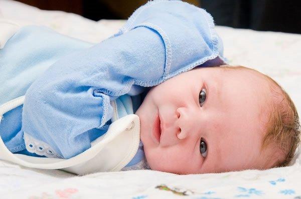 Новорожденный часто дышит