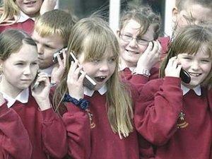 Правильный телефон для школьника.