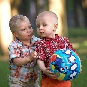 Укрепление отношений ребенка с окружающими людьми.