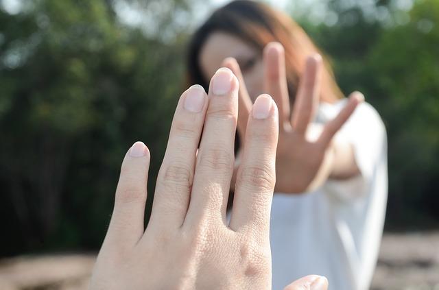 Как перестать страдать после расставания?