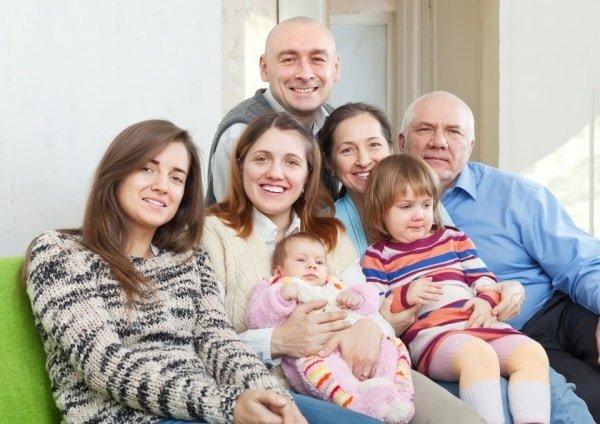 Бабушки и дедушки в воспитании внуков допускают ошибки.