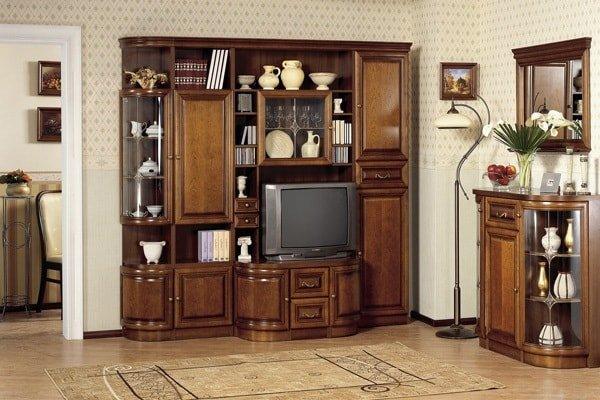 Деревянная мебель из массива для гостиной