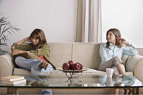 Как дочери подростку наладить отношения с матерью