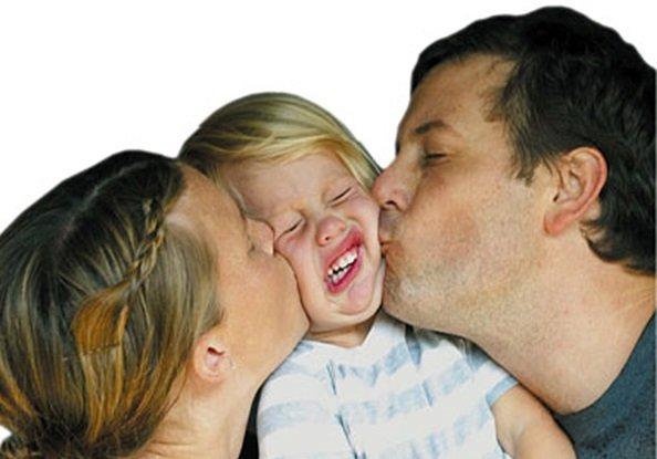 Как надо выражать любовь к ребенку?