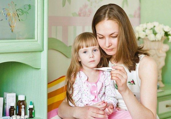 Как снизить температуру ребенку без таблеток?
