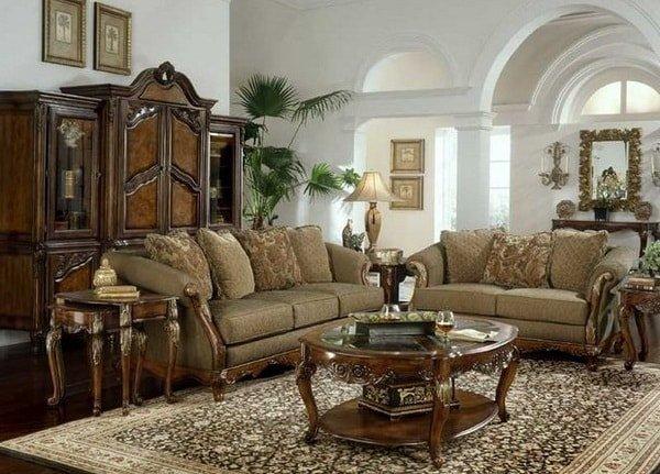 Классическая мебель в интерьере квартиры