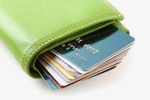 Почему лучше пользоваться банковской картой