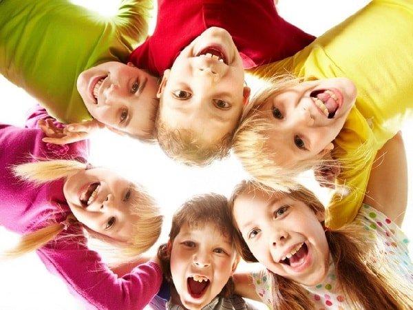 Как научить ребенка дружить со сверстниками?