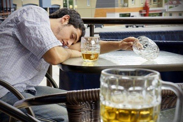Как помочь мужу бросить пить, что делать?