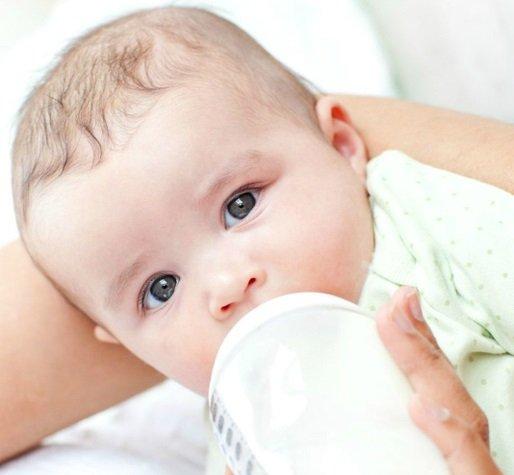 Коровье молоко детям до года - польза или вред?