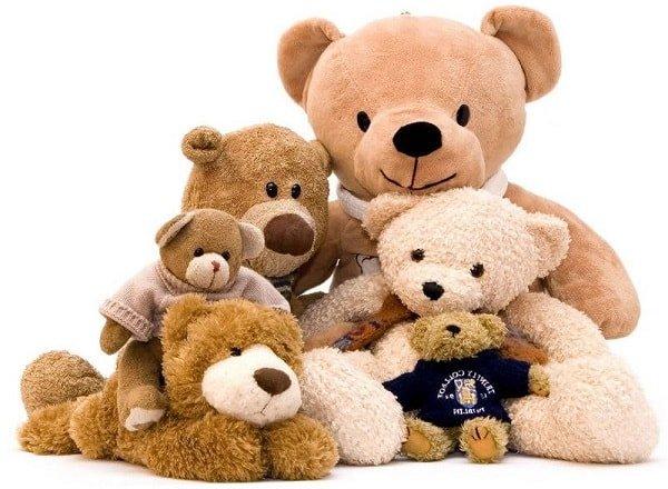 Как покупать игрушки для маленьких детей и младенцев?