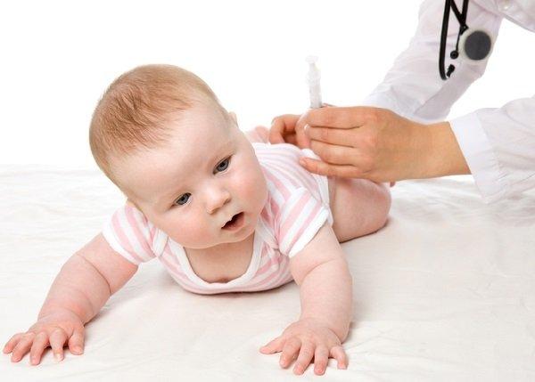 Ребенку сделали прививку от коклюша