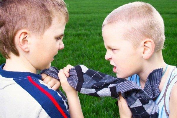 Если ребенок проявляет агрессию, что делать?